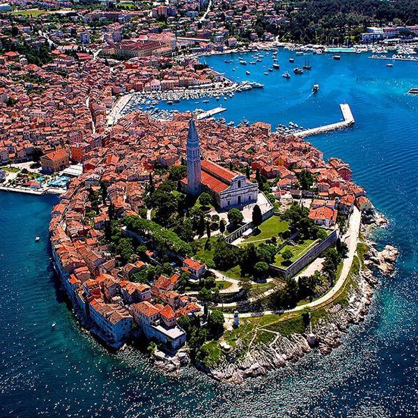 Посетить город Ровинь и другие старые и красивые города в Хорватии