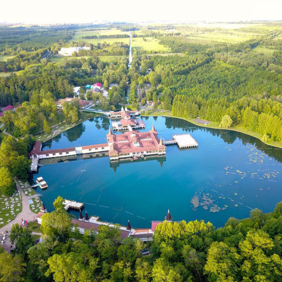 Проведите отпуск в Венгрии с пользой на  озерах Балатон и Хеви