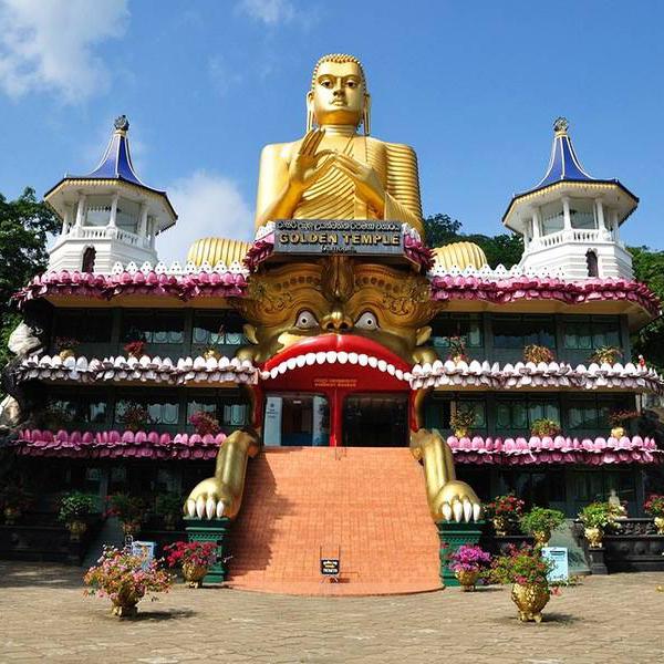 Буддистские храмы на Шри-Ланке, огромные статуи будды
