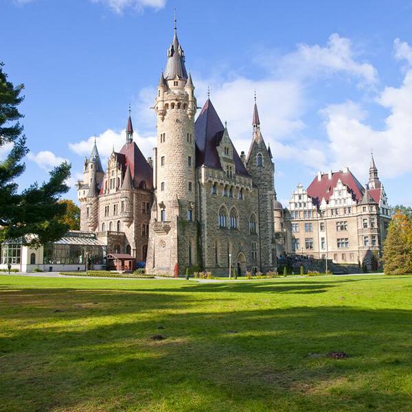 Посетить самые красивые замки в Польше, Мошненский замок
