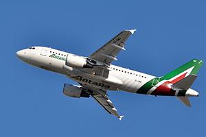 Самолёт компании Alitalia, авиапарк Alitalia