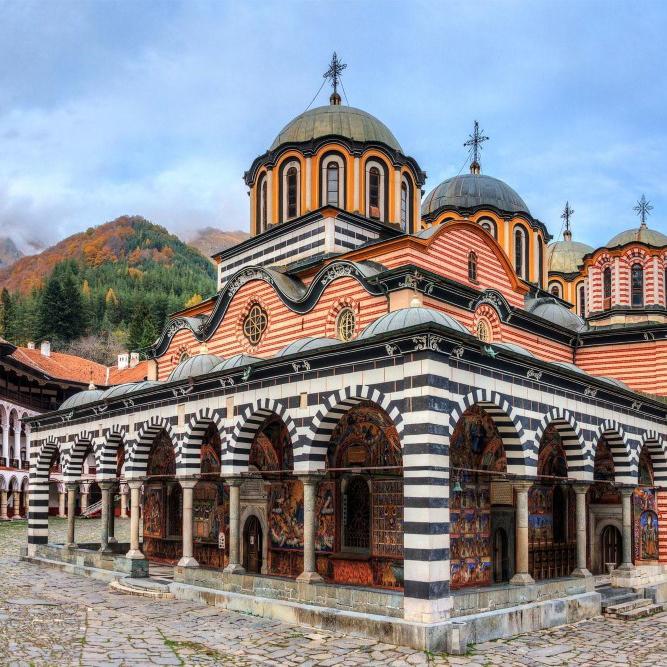 Посетить святые места в Болгарии, Рильский монастырь