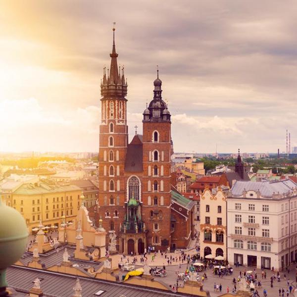 Посетить костёлы и ратуши старой Польши