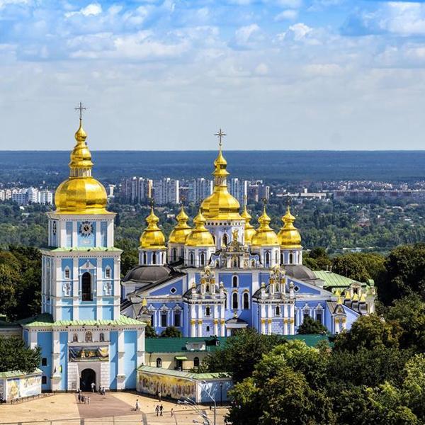 Посетить церкви и храмы в Украине, Михайловский Златоверхий монастырь