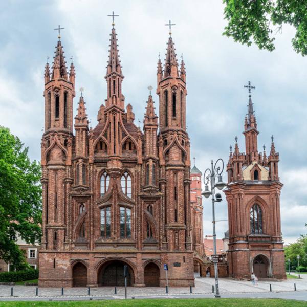 Посетить костёлы в Литве, Костёл Святой Анны и Бернардинский костел