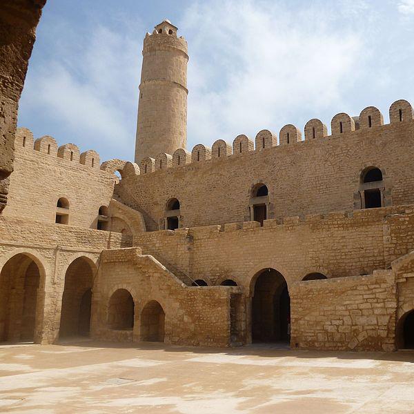 Посетить замки и крепости Туниса