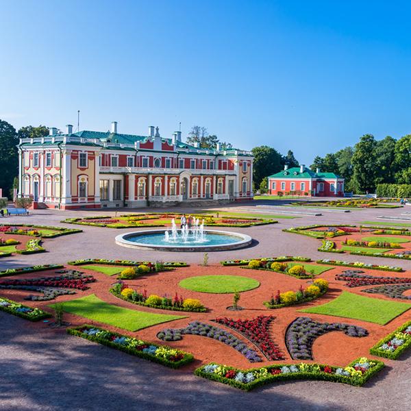 Посетить дворцы и резиденции правителей Эстонии, исторические туры