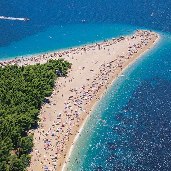 Отдых на пляже в Хорватии, пляж Золотой Рог